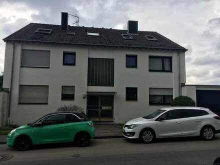 Gepflegte 2,5-Zimmer-Wohnung mit Balkon in Würselen