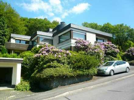 Dieses Wohnhaus in bester Lage ermöglicht Ihnen vielfältige Wohn-und Nutzungskonzepte!
