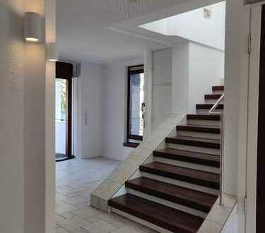 Traumhafte 4,5 Zimmer- Maisonettewohnung in Halbhöhenlage, Stuttgarter Süden