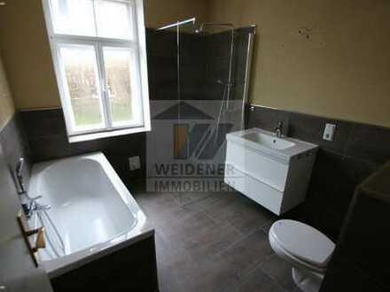 Jugendstilvilla! Geräumige 4 Raum Wohnung mit modernem Bad!