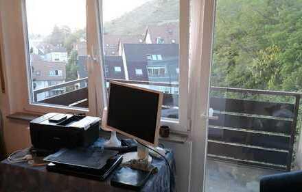 Schönes WG-Zimmer mit Balkon und tollem Blick sucht einen Nachmieter