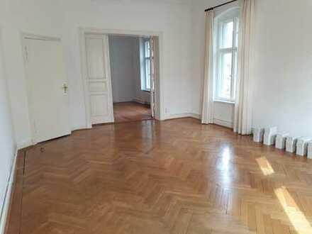 Schöne, geräumige 4 1/2-Zimmer-Wohnung in Berlin, Steglitz