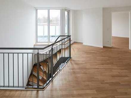 Neubau Erstbezug: Große 4-Zimmer-Maisonettewohnung mit Balkon und Dachterrasse