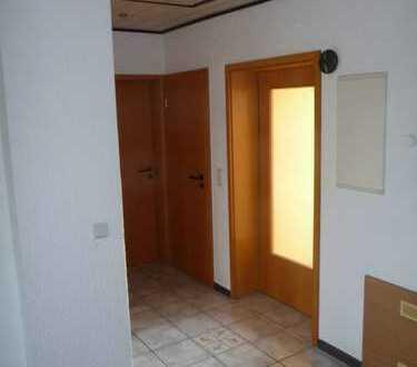 Geräumige, helle und preiswerte 3,5-Zimmer-Dachgeschosswohnung in Mücke/Nieder-Ohmen