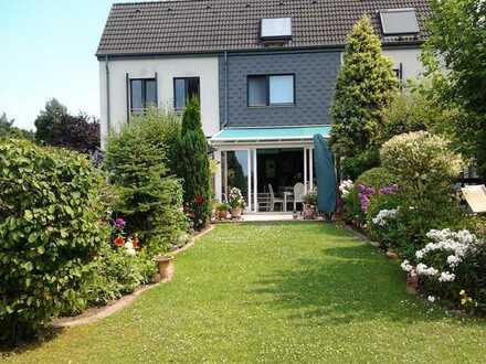Schönes Haus mit lichtdurchflutetem Wintergarten direkt am Naturschutzgebiet in Hilden