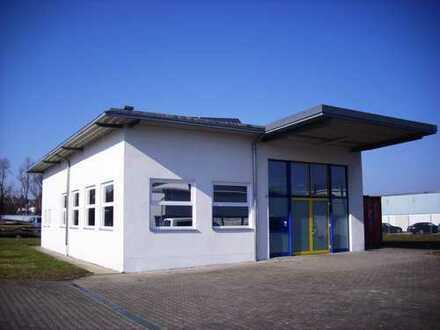 Gewerbehalle + Wohnen + großes Grundstück - bereits RESERVIERT !
