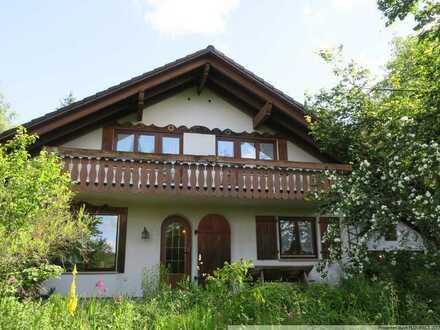 Großes Einfamilienhaus mit wunderschönem großen Grundstück sucht neuen Besitzer!