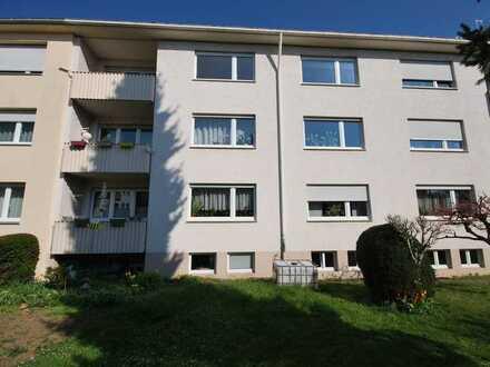 !! Ideal bezugsfreie 3- 4 Zi-Wohnung mit Süd-Balkon in guter ruhiger Lage !!