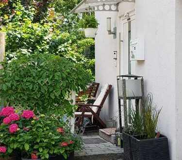 3-Zimmer Dachgeschosswohnung im Einparteienhaus, im Münchner Norden