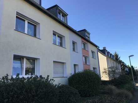 Frisch renovierte ca. 62 m² Dachgeschoss-Wohnung in Schönebeck wartet auf Sie!