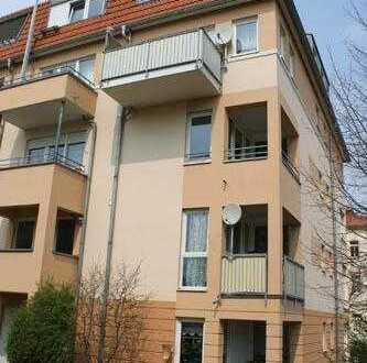 * helle und schöne 3-Zi.-Wohnung mit Balkon *