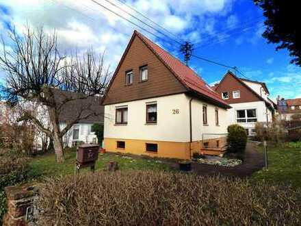 Oma´s Villa mit Park: freistehendes Einfamilienhaus zum Verkauf!