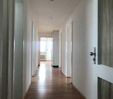 Gepflegte 4-Zimmer-Wohnung mit Balkon in Göppingen