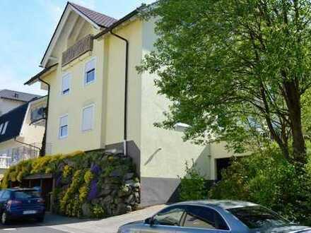 schöne 4ZKB Dachgeschosswohnung (2.OG) in Burbach-Mitte
