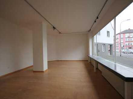Büro- / Praxisräume bzw. Ladenlokal in zentraler Lage