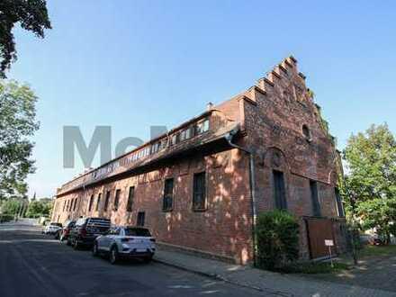 Historisches Wohnen in der alten Schäferei: Gehobene Maisonette-ETW mit Galerie und Loggia