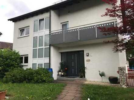 Großes Einfamilienhaus mit Garten direkt in Göppingen (Kreis), Göppingen