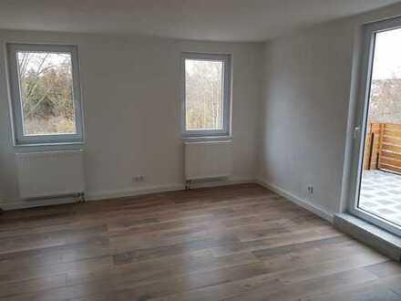 Erstbezug nach Sanierung mit Balkon: schöne 3-Zimmer-Wohnung in Dornstetten-Aach