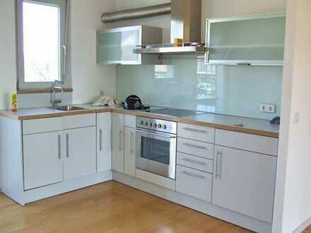 Schöne, sehr helle und geräumige zwei Zimmer Maisonette-Wohnung in Sindelfingen