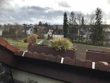 Schöne helle und sonnige 4 Zimmer Maisonettewohnung in ruhiger Aussichtslage Magstadt