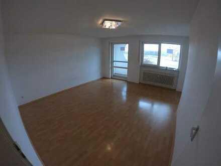 Gepflegte 1-Zimmer-Hochparterre-Wohnung mit 2 Balkonen und Einbauküche in Nürnberg