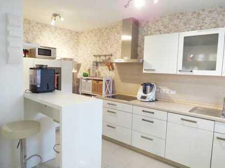 Helle, komplett renovierte 5-Zimmer-Wohnung in zentraler Wohnlage von Mengen