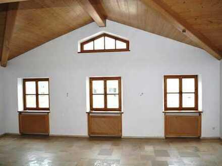 Großzügiges Wohnhaus (Teileigentum) mit Innenschwimmbad, Einliegerwohnung und 3 Stellplätzen in PAF!