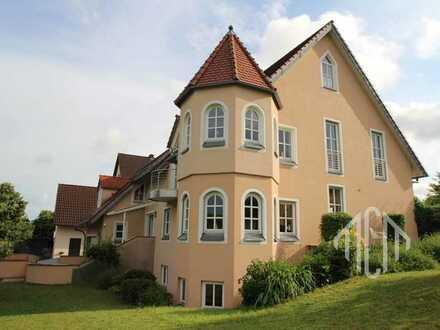 Elegante Architektenvilla im Altmühltal erfüllt höchste Ansprüche