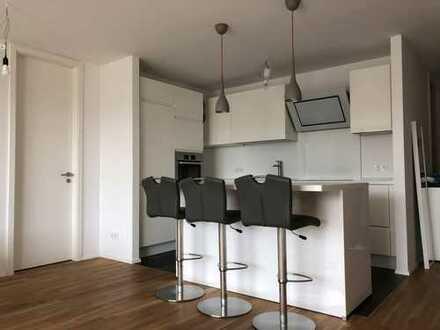 Neuwertige, exklusive 2-Zimmer-Wohnung mit Balkon & EBK mit Tiefgarage in Frankfurt-Sachsenhausen