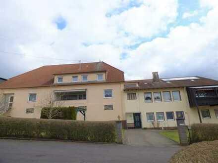 Gepflegtes 2-3 FH mit großer Halle und Gewerbefläche, Reichenbach, Nähe Birkenfeld und Baumholder