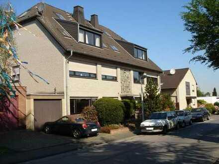 Frechen-Buschbell, helle 3 Zi.-Erdgeschoss-Wohnung mit großer Terrasse, EBK