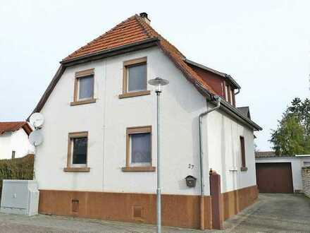 FREI! Einfamilienhaus mit Garten, Schuppen + zwei Garagen in angenehmer Ortsrandlage von Linkenheim