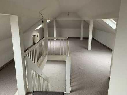 Wir verkaufen unser freistehendes Loftgebäude für Individualisten und Familien mit Baugenehmigung !