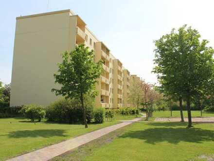 Top renovierte 3-Zimmer-Wohnung mit Balkon zur Sonnenseite !!!