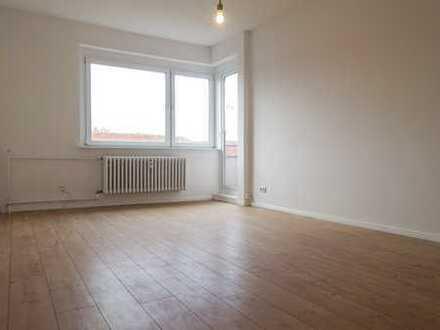 Erstbezug nach Sanierung mit Balkon: attraktive 2-Zimmer-Wohnung in Charlottenburg, Berlin