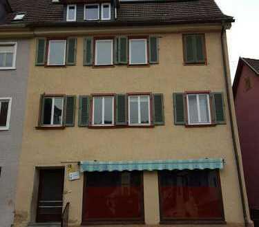 100 km von Freiburg, 40 km von Tübingen. Viel Haus für wenig Geld!