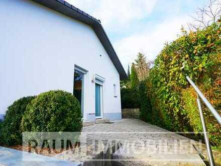 Modernes Wohnen für 1-2 im Haus mit Luxusbad + Terrasse + Garagenstellplatz in ruhiger Lage