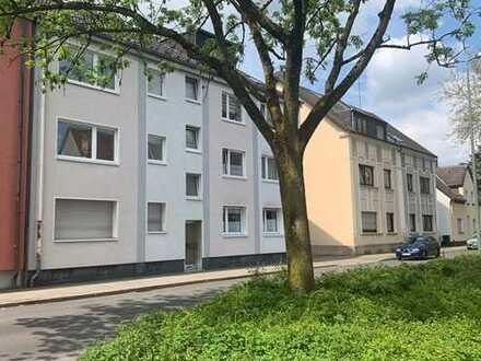 Topp-Mehrfamilienhaus mit 8 Garagen