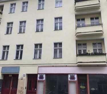 *WG-GEEIGNET!* Neusanierte 2-Zimmerwohnung mit Balkon am U-Bhf. Bismarckstraße (U2, U7)