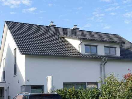 Sonnige Doppelhaushälfte in Friolzheim