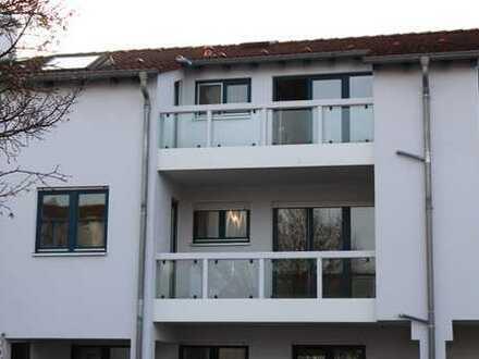 Sonnige 3-Zimmer-Wohnung mit 2 Balkonen in Groß-Zimmern
