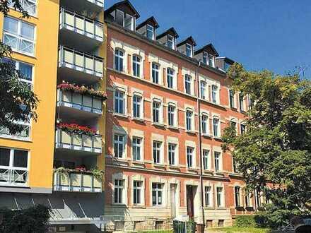 *SANIERTE 5-Raum-Wohnung - 2 Balkone, Stuck, Gäste-Bad, Parkett, Tageslichtbad, Lift, Fliesen uvm.*