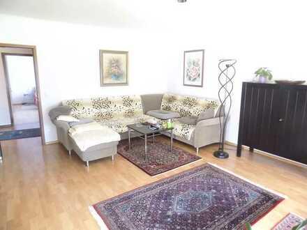 Schöne, helle und geräumige 4 Zimmerwohnung inkl. Stellplatz in ruhiger Lage