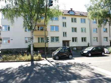 """-- LINDENTHAL -- modernisierte 2,5 Zimmer Wohnung mit Balkon -- bitte auch """"Sonstiges"""" lesen --"""