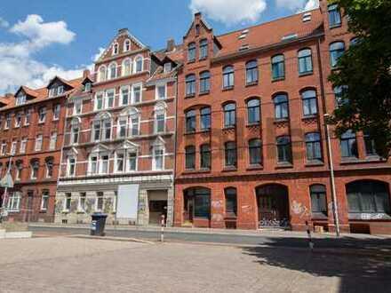 Stilvolles Wohnen in Toplage von Hannover: Modernisierte 4-Zi.-ETW in Linden-Mitte