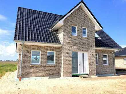 Dorum: Neuwertiges Kapitänshaus in Toplage