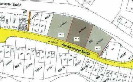 Grundstück voll erschlossen, 1 Garage gehört zum Grundstück, für Wohnbebauung geeignet