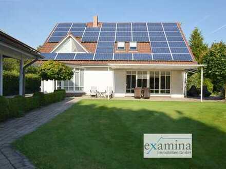 Stilvolles Einfamilienhaus mit Platz u. Charisma. Parkähnlicher Garten. Photovoltaikanl. inklusive.