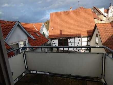 ***Moderne, interessante Wohnung mit Balkon und Garage***