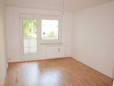 Ruhig gelegene 3-Zimmer-Wohnung mit Balkon und EBK in Potsdam-Waldstadt II